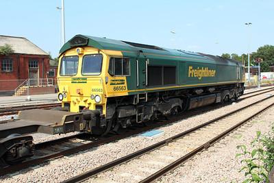 66563 1530/4o24 Bristol-Thamesport arrives at Acton Mainline 05/07/13.