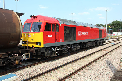 60017 1458/6E38 Colnbrook-Lindsey sits at Acton Mainline awaiting the road 05/07/13.
