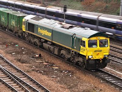 66957 on Calvert to Cricklewood Binliner   28/01/09