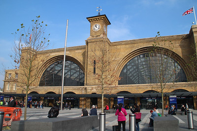 Kings Cross Frontage now void of all obstructions as it should be. 01/10/13