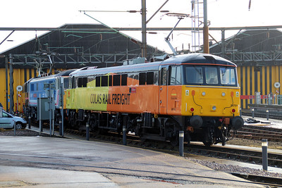 ETL 86701 sits on Willesden TMD with 86401 & 86217,  26/01/13.