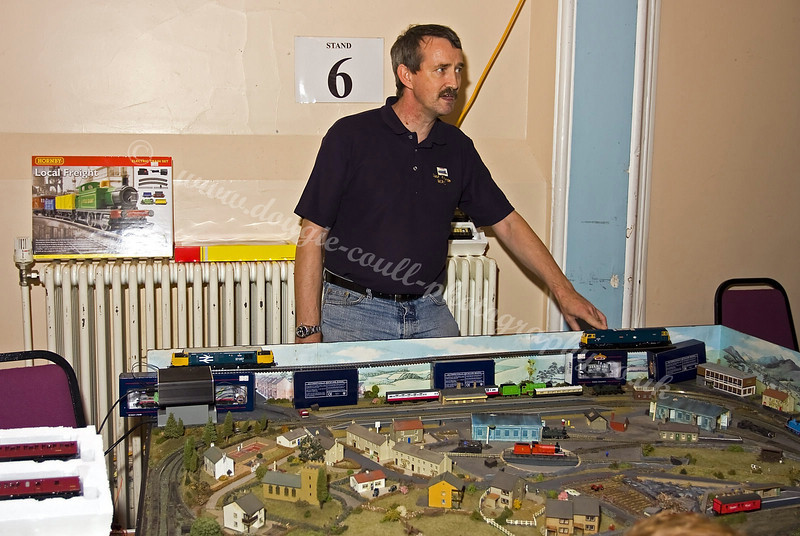 Small Gauge Layout