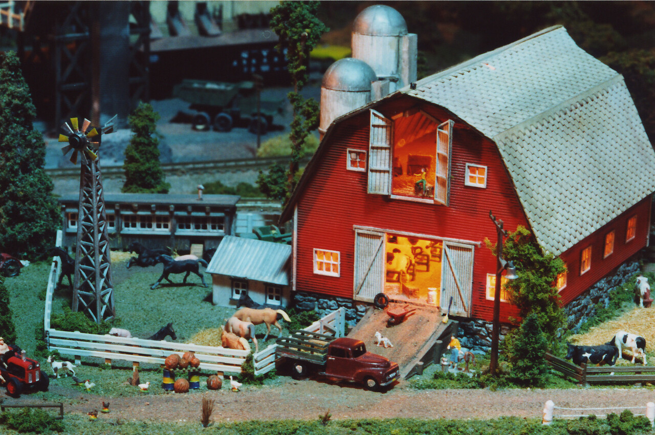 Another one of my N Scale modules.  This one features a highly detailed dairy farm with lit interior.