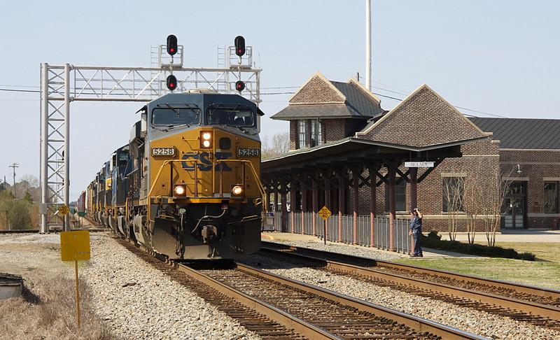 CSX Q438 NB at Selma NC 3/19/09.