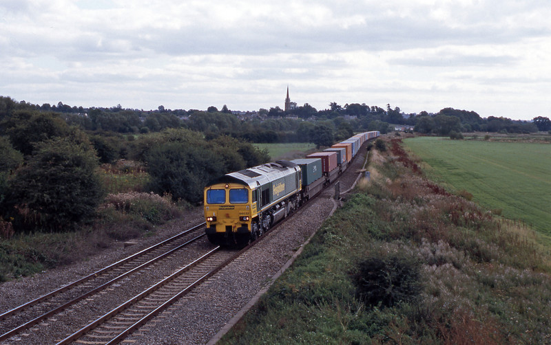 A Southanpton to Lawley Street 'liner - 4Z55 according to my notes passing King's Sutton