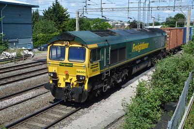 66501 1156/4L90 Lawley Steet-Felixstowe passing Kings Langley  03/06/17