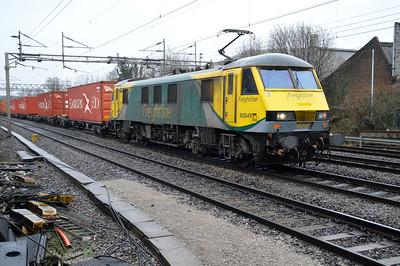 90049 1336/4m93 Felixstowe-Crewe passes Kings Langley 03/01/15.