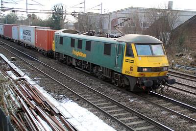 90041 1336/4m81 Felixstowe-Crewe  15/01/13.