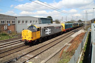 D9009_33109_D1501_20087_37901 1154/0z20 Alton(MHR)-Castleton(East Lancs) 30/04/13.