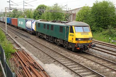90046 1305/4m81 Felixstowe-Crewe 20/05/13.