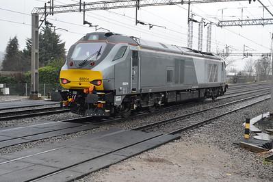 68014 1350/0z69 Wembley LMD-Crewe Gresty Bridge DRS passes Kings Langley 03/01/15.