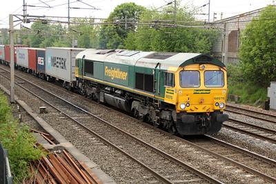 66570 1536/4m87 Felixstowe-Trafford Park 20/05/13.