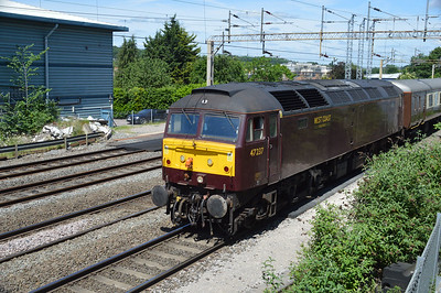 47237 1202/5z63 Carnforth-Victoria passing Kings Langley  03/06/17