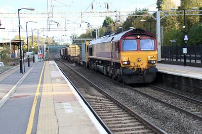 66030 1508/6m06 Stewarts Lane-Bescot Barrier move passes Hemel Hempstead 30/11/13.