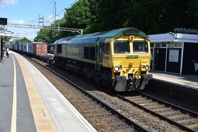 66557 1127/4L93 Crewe-Felixstowe passing Kings Langley  03/06/17