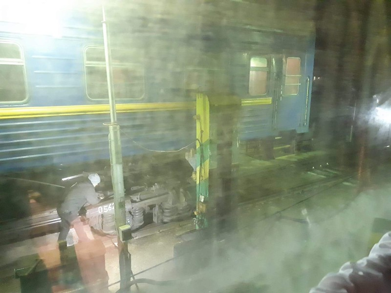A long time was spent at Ungheni for much shunting about most of which was to shunt and split the carriages into wheel changing sidings where carriages are jacked up for the wider Russian gauge bogies to be fitted. Labour intensive process and all outdoors.