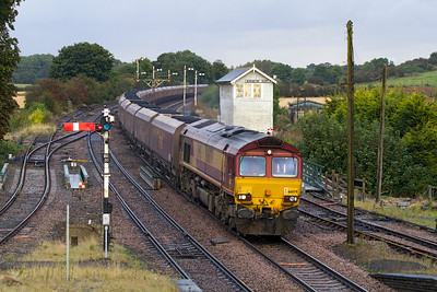 66079 passes Barnetby with 6F17 16.46 Immingham to Cottam Power Station. Thursday 27th September 2012.
