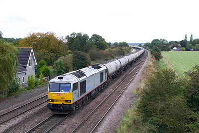 On Friday 28th September 2012 the 6V98 Lindsey to Westerleigh Murco Terminal was retimed earlier to depart Lindsey at 14.04 instead of the normal 22.36 and is seen passing Melton Ross.