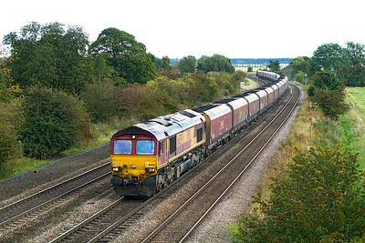 66059 passes Melton Ross with 6B12 12.34 Immingham to West Burton Power Station. Wednesday 26th September 2012.
