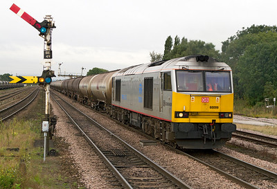 60099 returns past Barnetby with 6E46 04.35 Kingsbury to Lindsey empty tanks. Friday 28th September 2012.