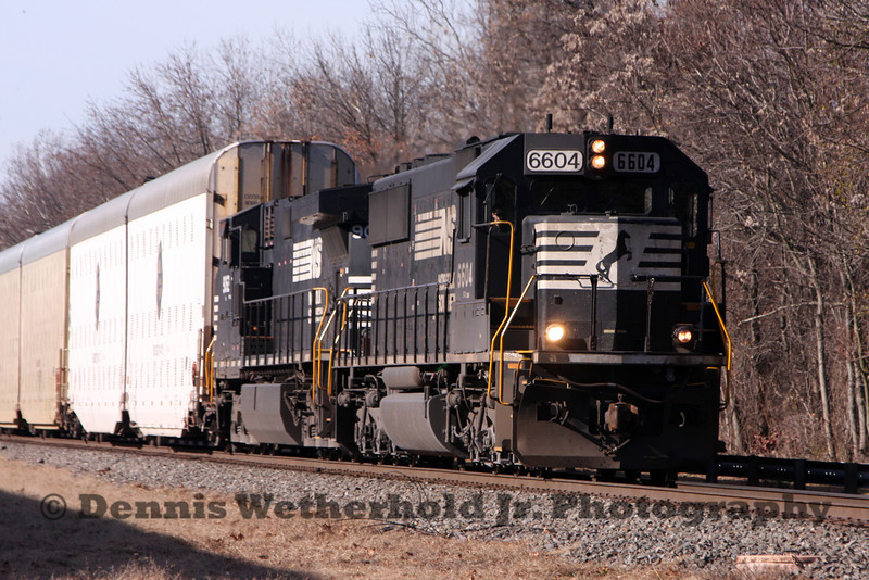 Norfolk Southern 290 heads east in to Bethlehem, PA