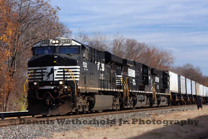 Norfolk Southern 21M heads west from Bethlehem, PA.