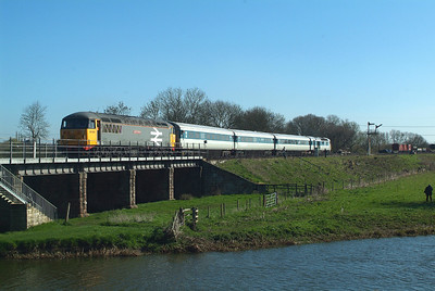 56098  returns from Peterborough to have 56006 attached to its rear ,and set off east again ,with both 56's hitching a free ride ,courtesy of the HST.
