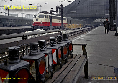 DB 112 500-4 & Tail Lamps,  Köln Hbf , 4th April 1971