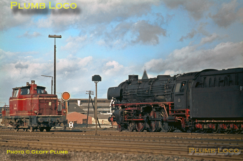 DB No. 012 052-7 & 260 602-8, Rheine, 13th February 1971