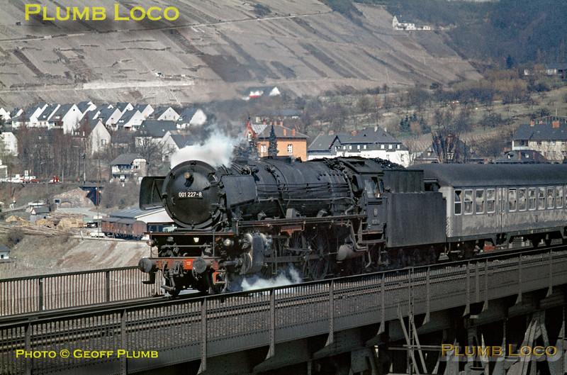 DB No. 001 227-8, Bullay Viaduct, 5th April 1971