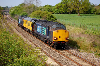 37069 DB999508 37611 2q88 1108 severn tunnel junction to banbury flying pass acton turville 27 april 2011