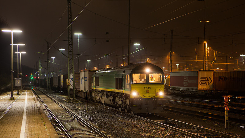 Crossrail PB15 on the 41666 (Novara/I - Genk-Zuid/B) in Aachen West.