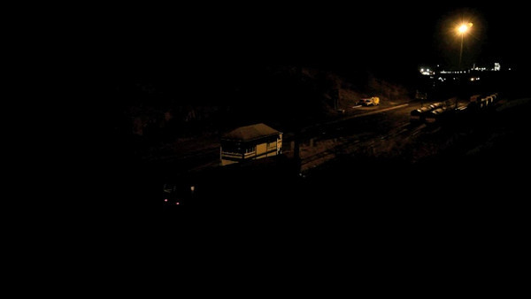 Night action at Peak Dale with a 60 and two 66s shunting and moving around.