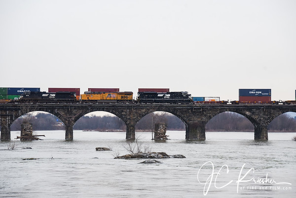 Norfolk Southern - Rockville Bridge - 01/12/2019