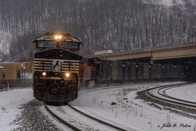 Norfolk Southern locomotive NS 7587, train NS 63V