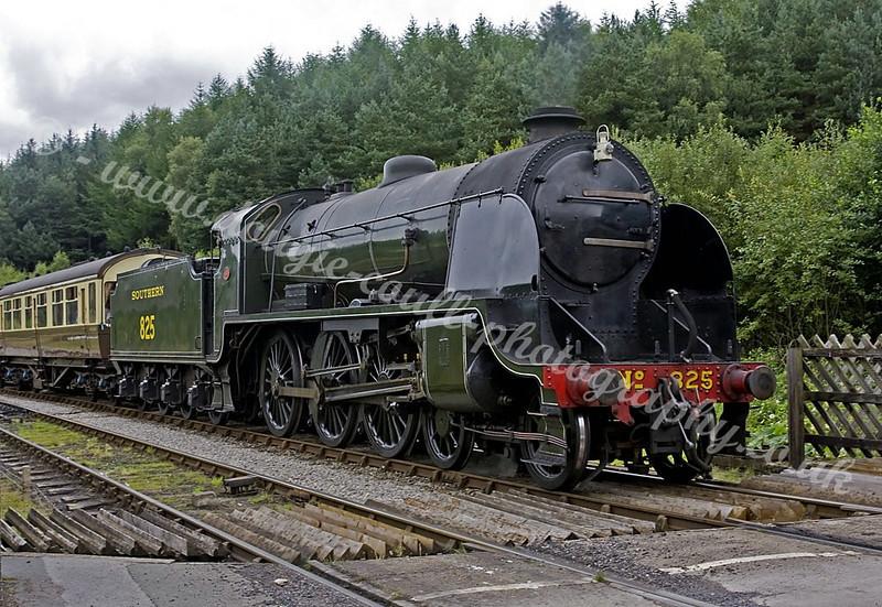 Southern 825 - Arrives at Levisham