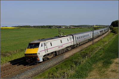 2013 06 91104 13.30 Kings Cross-Edinburgh ECML. service at Whinny Hill.