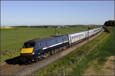 2013 06 09 15.00 Kings Cross-Edinburgh ECML. service GNER livery hangs on,through Whinny Hill.