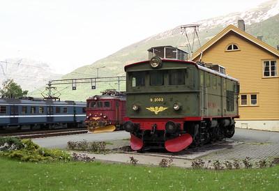 Veteran 9.2063 built in 1944 is plinthed at Flåm station 30/5/95.