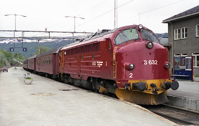Another view of 3.632 at Dombås with the 14.06 to Åndalsnes 9/6/95.