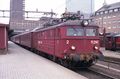 11.2147 is on pilot duty at Oslo Sentral on 23/4/96.
