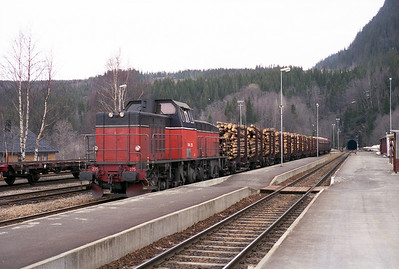 Swedish T44.275 stands at Grong 19/4/96.
