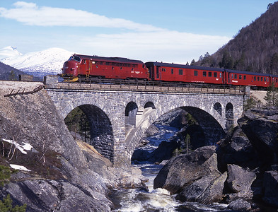 ...and 13 minutes later we caught 3.617 again crossing Stuguflaten viaduct.