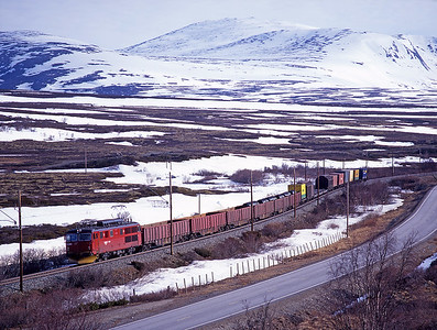 The regular early morning southbound freight nears Hjerkinn hauled by 14.2174 on 30/5/97