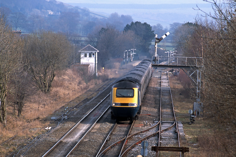 A Manchester bound HST on a Rio service blasts through Edale.
