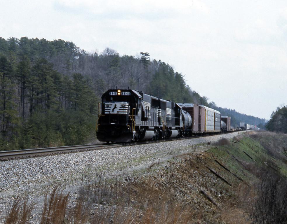 A northbound train behind SD60 6648