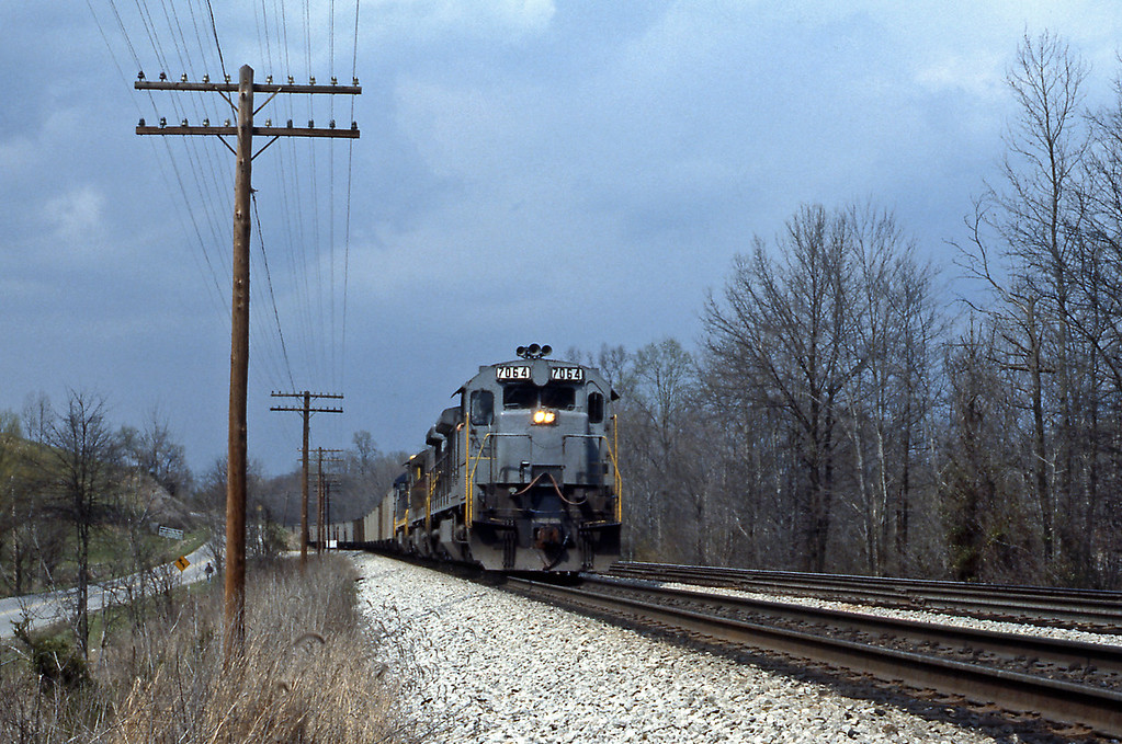 Corbin is a railroad town, with a large yard serving the surrounding coalfield. Although of lesser importance than in former years CSX, the successor to the Louisville & Nashville, is still a major employer in town. A loaded unit coal train leaves town behind a C30-7
