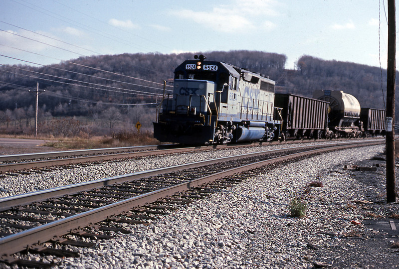 After that train nothing else moved until an outsize load came west behind GP40-2 6524. From Meyersdale I drove back to Altoona, returned the car and waited for the Broadway to take me back to Chicago.