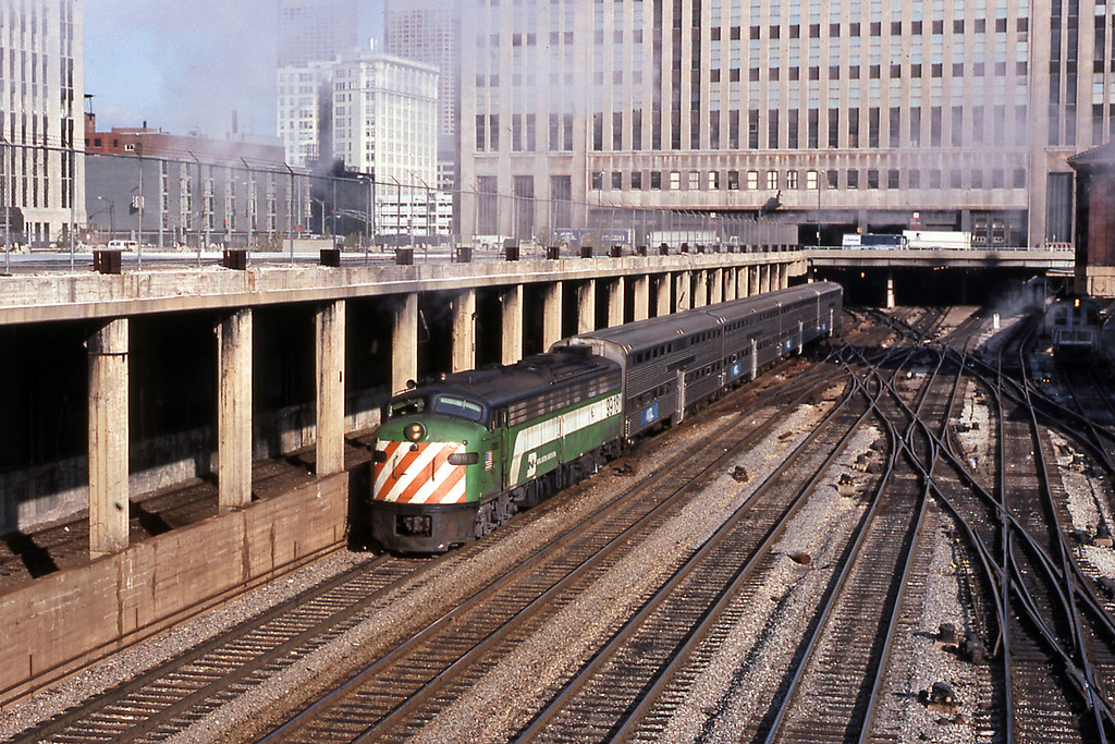 Day 10, and my final day before flying home in the evening. A BN Aurora train departs Union Station behind one of the iconic E units. By the time I returned six months later they would be gone.