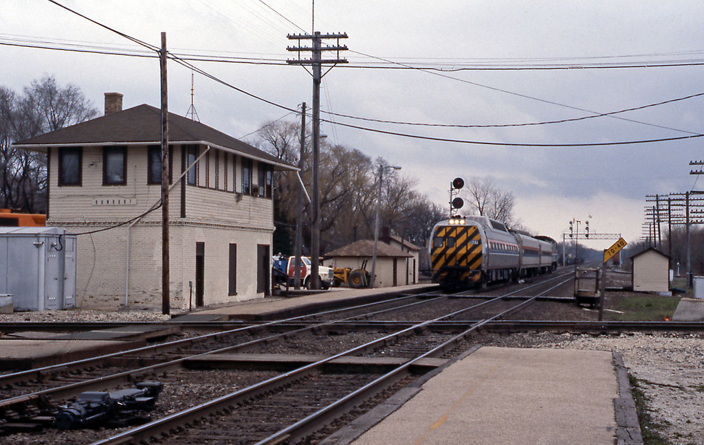 Finally, a Chicago to Milwaukee Hiawatha service with a former Metroliner control car.